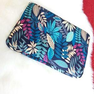 Lisen   Floral Zip Zip Laptop Sleeve